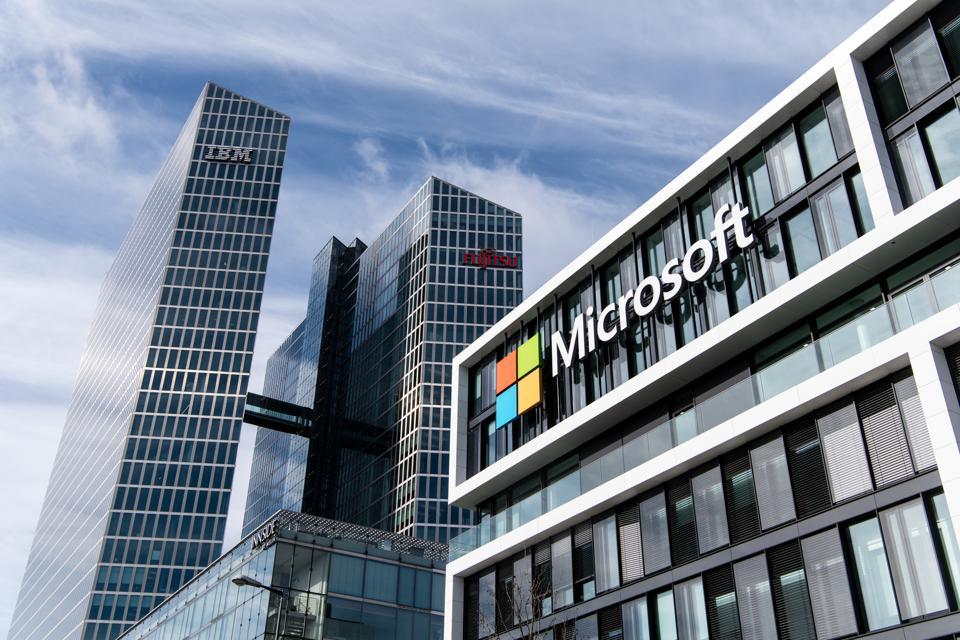 Microsoft-work-from-home-enterprise-remote-work-trends-IrisVR